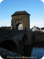 16277 Monnow Bridge and Gate.jpg