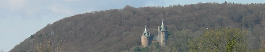16818-Castle-Coch-in-the-distance.jpg